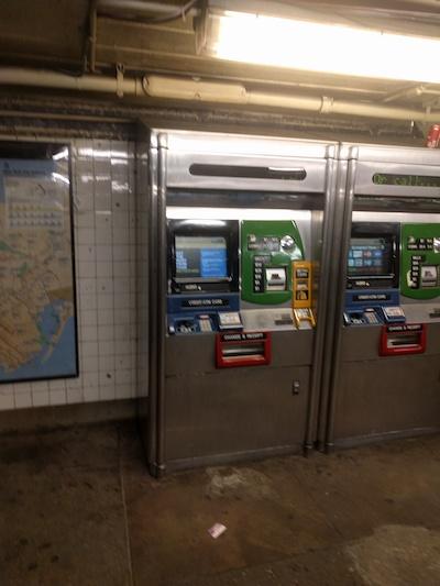 NYの地下鉄の券売機