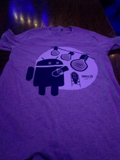 アンドロイドのTシャツ